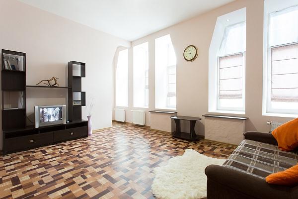 1-комнатная квартира посуточно в Харькове. Киевский район, ул. Сумская, 82а. Фото 1