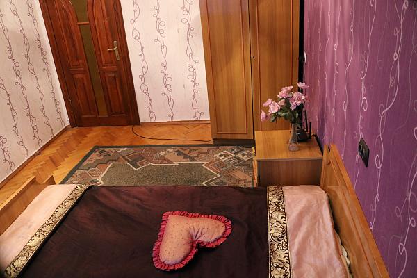 Трехкомнатная квартирапосуточно в Тернополе. ул. Гетмана Выговского, 12 . Фото 1