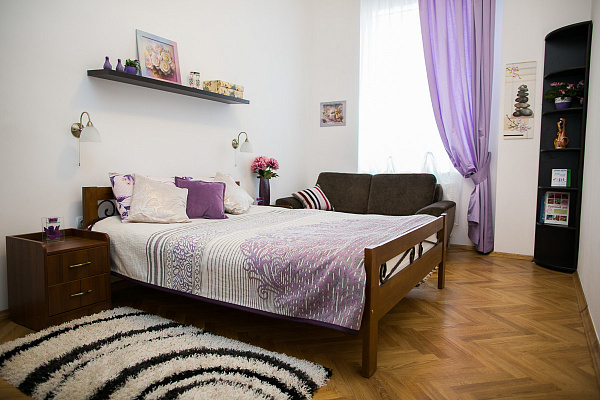 Трехкомнатная квартирапосуточно в Львове, Галицкий район, ул. Коперника, 3. Фото 1