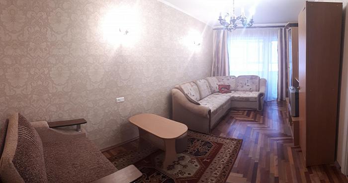 Трехкомнатная квартирапосуточно в Запорожье. Жовтневый район, ул. Крепостная, 5. Фото 1