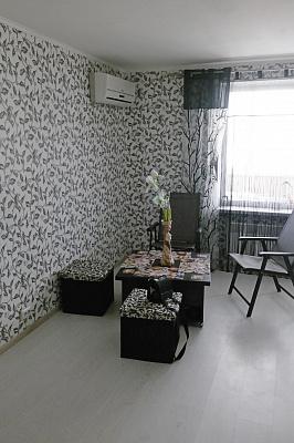 Двухкомнатная квартирапосуточно в Сергеевке, ул. Буджакская, 1. Фото 1