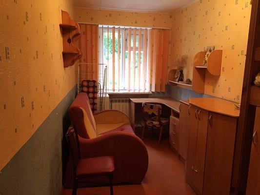 Трехкомнатная квартирапосуточно в Светловодске, ул. Героев Украины (Ленина) , 34. Фото 1