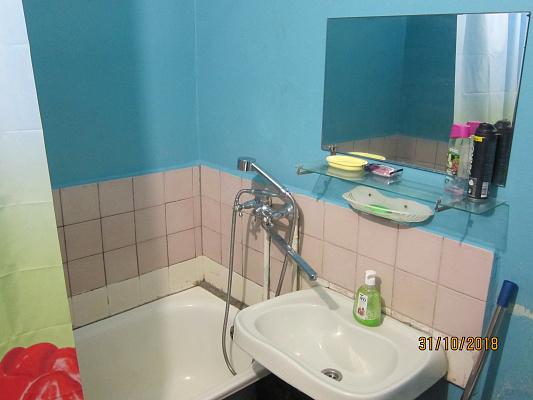 Однокомнатная квартирапосуточно в Черкассах, ул. Нижняя Горовая, 64