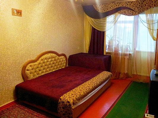 Двухкомнатная квартирапосуточно в Славянске, ул. Королёва, 23. Фото 1