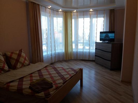 Двухкомнатная квартирапосуточно в Луцке. ул. Огиенко, 2а. Фото 1
