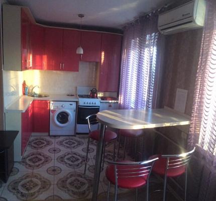Двухкомнатная квартирапосуточно в Чернигове, пр-т Мира, 12. Фото 1