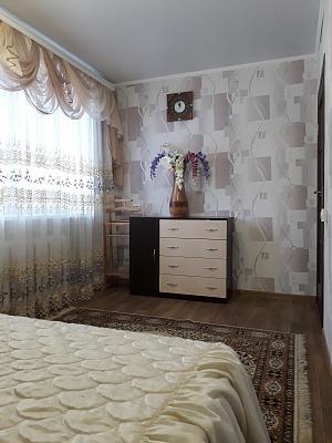 Двухкомнатная квартирапосуточно в Светловодске, ул. Юбилейная, 4