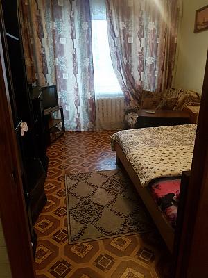 Однокомнатная квартирапосуточно в Ровно. ул. Киевская, 17. Фото 1