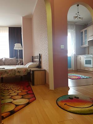 Однокомнатная квартирапосуточно в Ровно. ул. Богоявленская, 30. Фото 1