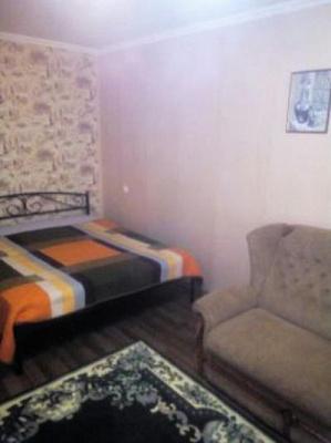 Однокомнатная квартирапосуточно в Мариуполе, Центральный район, пр-т Строителей, 95