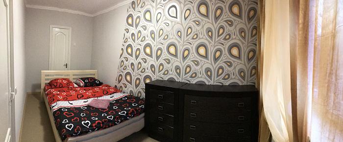 2-комнатная квартира посуточно в Херсоне. Суворовский район, пр-т Ушакова, 51. Фото 1