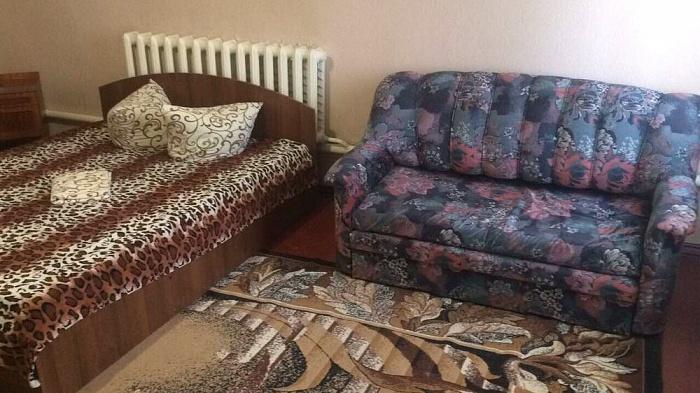 Двухкомнатная квартирапосуточно в Вознесенске. ул. Заречная (Гордиенко), 85. Фото 1