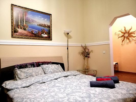 1-комнатная квартира посуточно в Полтаве. Октябрьский район, б-р Панянский, 10. Фото 1