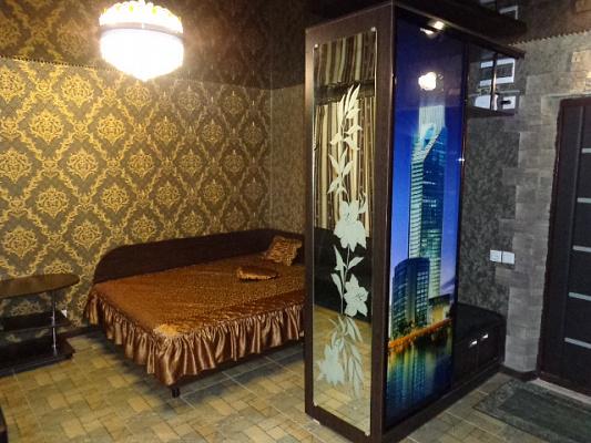 Однокомнатная квартирапосуточно в Черкассах, ул. Рождественская, 71. Фото 1