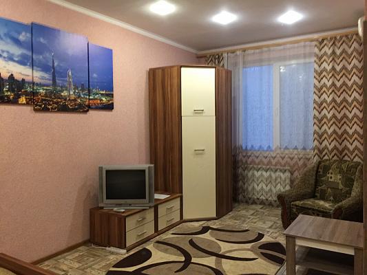 Однокомнатная квартирапосуточно в Кривом Роге. Саксаганский район, пр-т Мира, 33. Фото 1