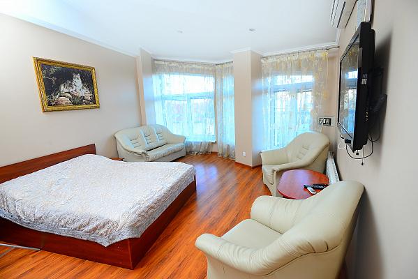 2-кімнатна квартираподобово у Трускавці, вул. Суховоля, 9. Фото 1