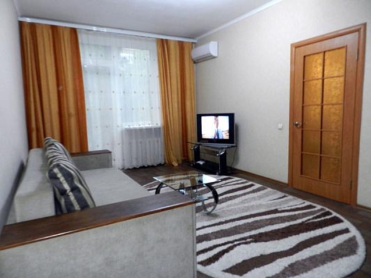 Однокомнатная квартирапосуточно в Запорожье, Орджоникидзевский район, пр-т Соборный, 170-в. Фото 1
