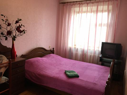 Двухкомнатная квартирапосуточно в Хмельницком. ул. Соборная, 58. Фото 1