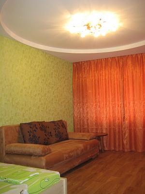Однокомнатная квартирапосуточно в Черкассах. ул. Новопречистенская, 1. Фото 1