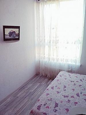 1-комнатная квартира посуточно в Киеве. Днепровский район, ул. Регенераторная, 4. Фото 1