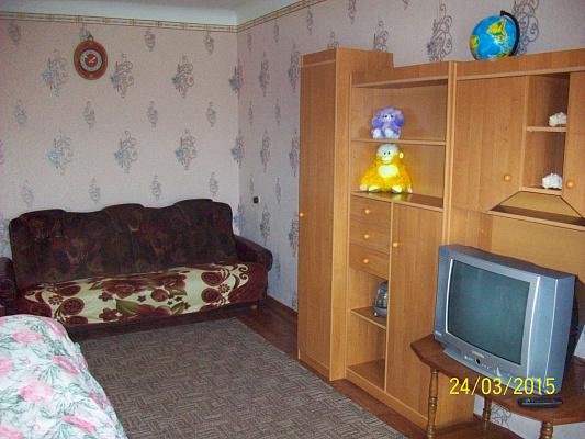 Однокомнатная квартирапосуточно в Конотопе. ул. Успенско-Троицкая, 36. Фото 1