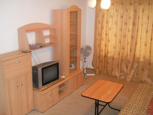 Однокомнатная квартирапосуточно в Черкассах. ул. Гоголя, 290. Фото 1