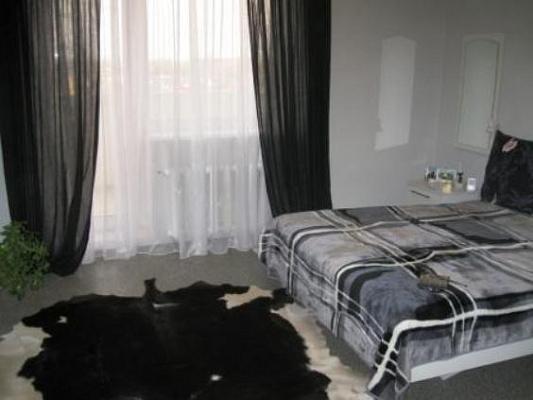 Двухкомнатная квартирапосуточно в Затоке. ул. Зарипова. Фото 1