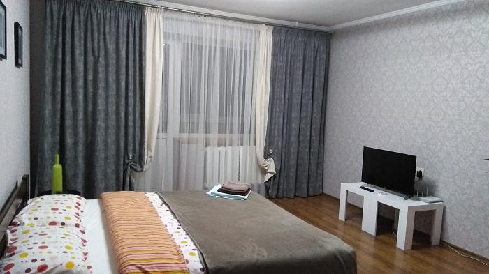 Однокомнатная квартирапосуточно в Ровно. ул. Набережная, 14. Фото 1