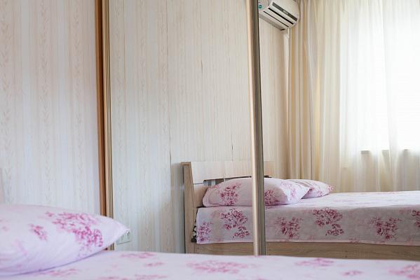 3-кімнатна квартираподобово в Одесі. Київський район, вул. Академіка Глушка, 2. Фото 1