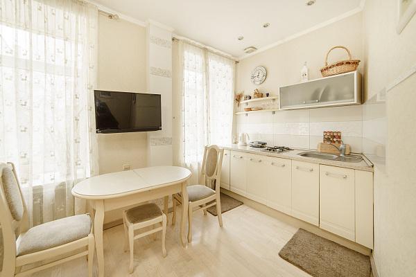 Двухкомнатная квартирапосуточно в Одессе, Приморский район, ул. Греческая , 31. Фото 1