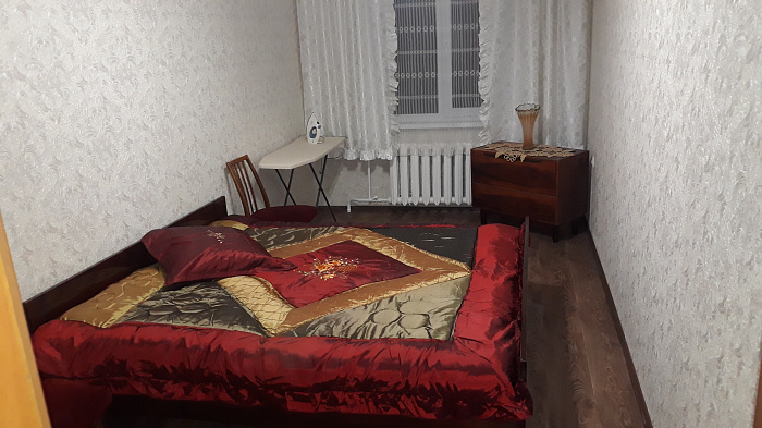 Двухкомнатная квартирапосуточно в Черкассах. ул. Припортовая, 37. Фото 1