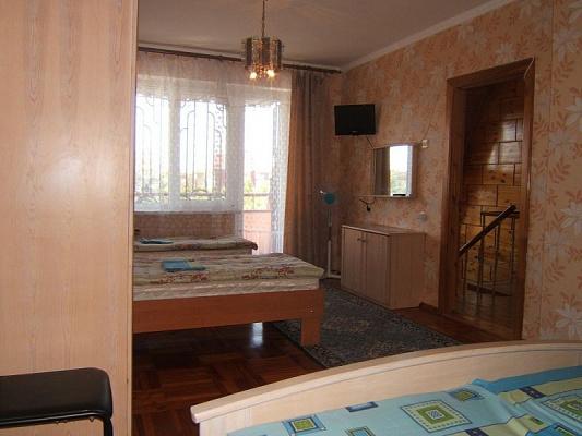 Комната посуточно в Заозёрном, ул. Солнечная, 21А. Фото 1