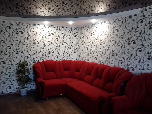 Двухкомнатная квартирапосуточно в Никополе. ул. Электрометаллургов, 4 А. Фото 1