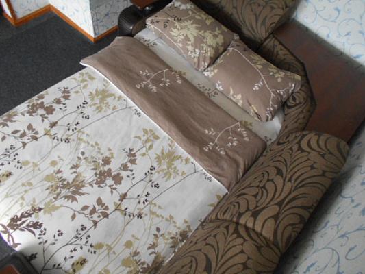 Однокомнатная квартирапосуточно в Чернигове. Деснянский район, пр-т Мира, 35. Фото 1