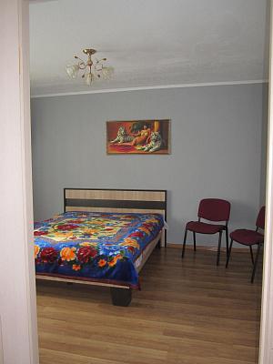 Однокомнатная квартирапосуточно в Ивано-Франковске. ул. Степана Бандеры, 10б. Фото 1