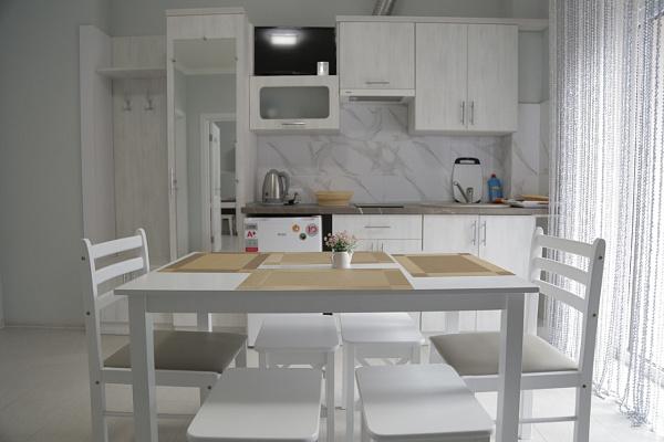 Двухкомнатная квартирапосуточно в Поляне, ул. Курортна, 2г. Фото 1