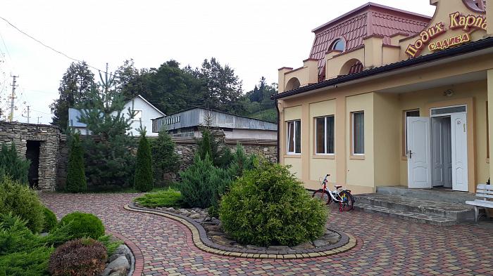 Мини-отель посуточно в Сходнице, Новый Кропивник, ул. Довбуша, 141/2. Фото 1