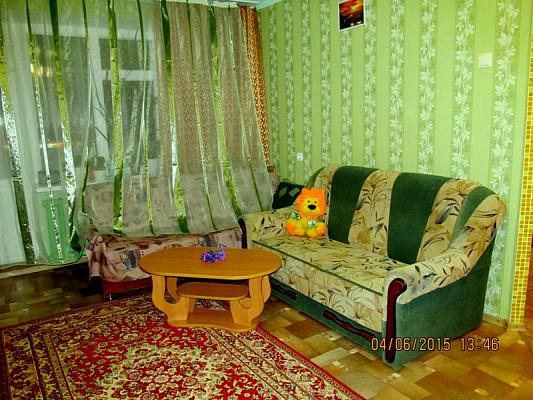 1-кімнатна квартираподобово в Сумах. Зарічний район, вул. Кірова, 4. Фото 1
