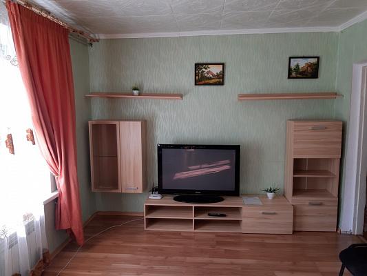 Двухкомнатная квартирапосуточно в Мариуполе. Центральный район, ул. Зелинского, 59. Фото 1