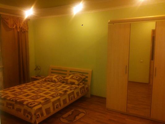 Двухкомнатная квартирапосуточно в Трускавце. ул. Саломеи Крушельницкой, 6. Фото 1