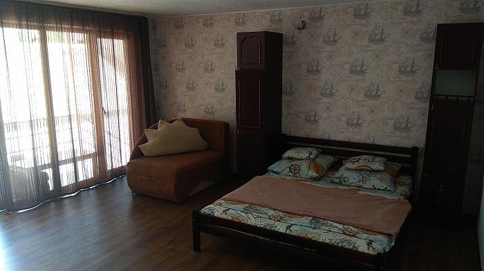 Мини-отель посуточно в Геническе. ул. Возрождения, 11. Фото 1