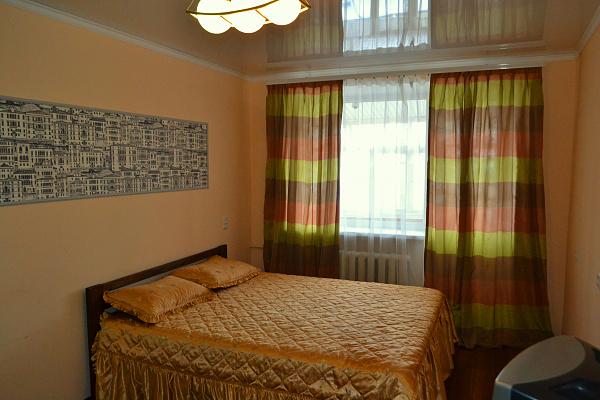 1-кімнатна квартираподобово в Кам'янець-Подільському. вул. Соборна, 33. Фото 1