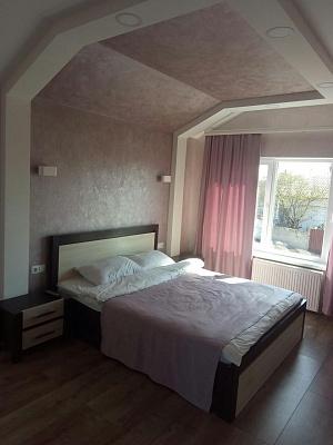 Дом посуточно в Каменце-Подольском, ул. Виктора Приходько, 7