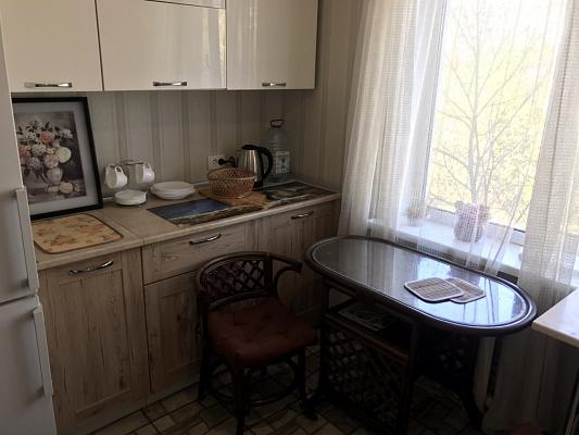 Однокомнатная квартирапосуточно в Запорожье. Жовтневый район, ул. Украинская, 8. Фото 1