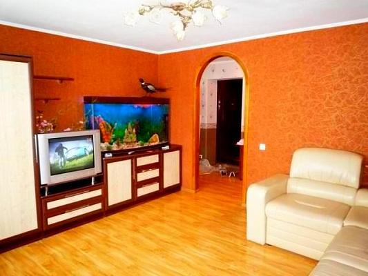 Двухкомнатная квартирапосуточно в Черкассах. б-р Шевченко, 305. Фото 1