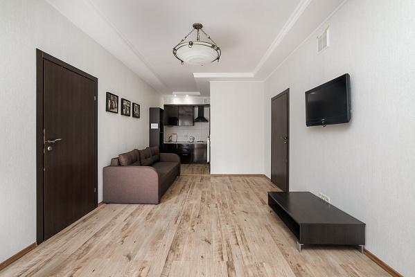 Четырехкомнатная квартирапосуточно в Одессе, Приморский район, ул. Дерибасовская, 18
