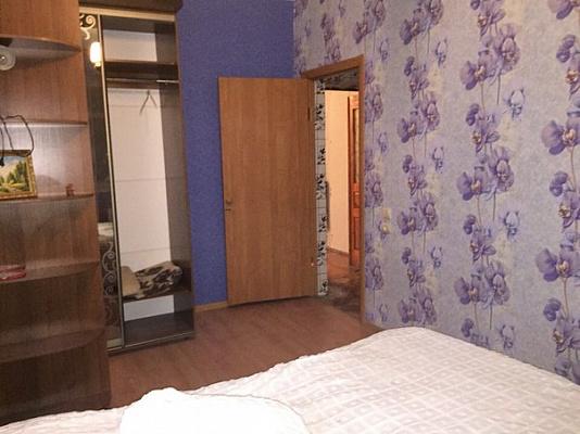 Двухкомнатная квартирапосуточно в Мариуполе. ул. Артема, 66. Фото 1