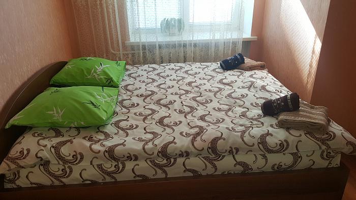 Двухкомнатная квартирапосуточно в Луцке, ул. Сухомлинского, 4а. Фото 1