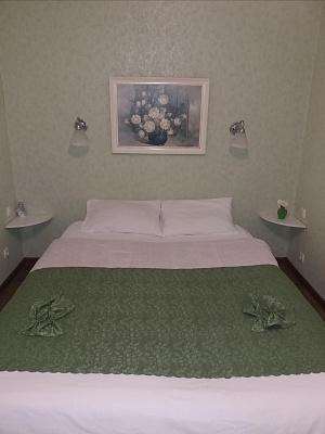 1-кімнатна квартираподобово в Кам'янець-Подільському. пл. Польский ринок, 4. Фото 1