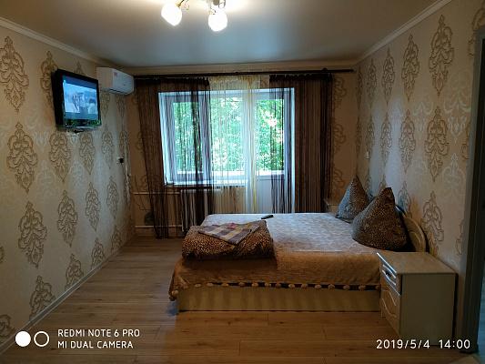 Двухкомнатная квартирапосуточно в Измаиле, пр-т Суворова, 60